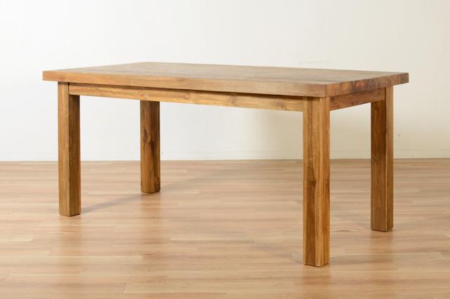 このシーンで使われているアイテム画像(CHISTA/オールドチーク ダイニングテーブル (4本脚・W180))