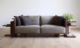 このコーディネートシーンで使われているアイテム画像(CARAMELLA High Sofa)