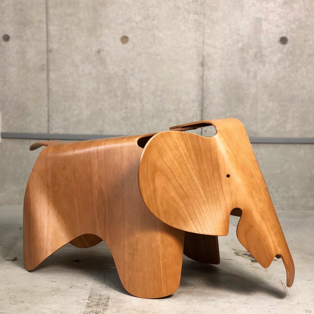 このシーンで使われているアイテム画像(Eames Elephant (Plywood))