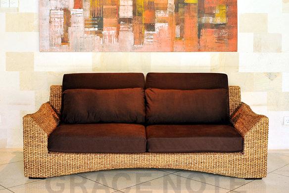 この商品に似ているアイテム画像(リゾート気分を楽しめる3人掛けソファー|LOOP(ループ))