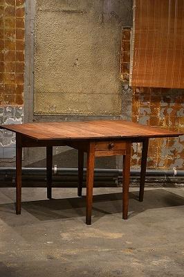 この商品に似ているアイテム画像(折りたたみ式テーブル|OTSU FURNITURE(オツファニチャー))