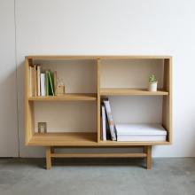 このコーディネートシーンで使われているアイテム画像(bookcase wide)