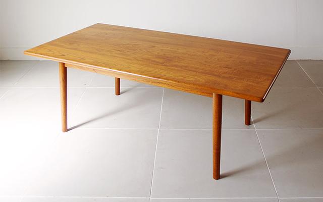 この商品に似ているアイテム画像(Hans J. Wegner ビンテージコーヒーテーブル|Bellbet Warehouse(ベルベットウェアハウス))