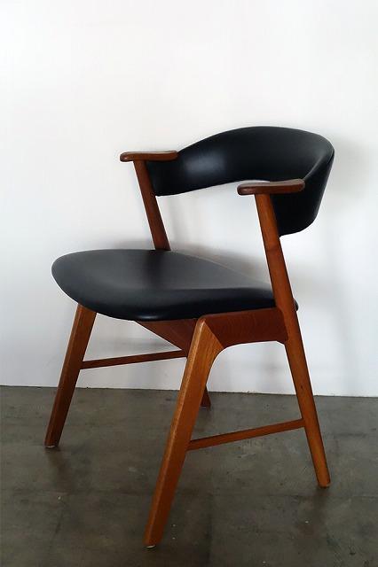 この商品に似ているアイテム画像(Arm chair|NO NAME PARISH)