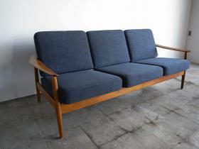 このコーディネートシーンで使われているアイテム画像(Arne Vodder 3seats sofa NO.165 )