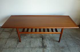 アイテム画像(Center table by Grete Jalk)サムネイル