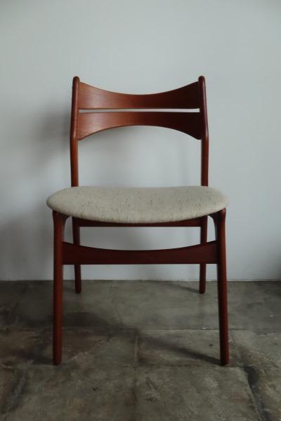この商品に似ているアイテム画像(Dining chairs|NO NAME PARISH)