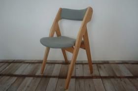 このコーディネートシーンで使われているアイテム画像(椅子004 SCH-004)