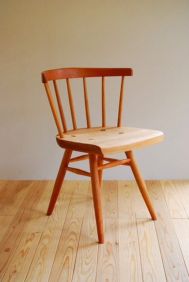 このシーンで使われているアイテム画像(曲木の椅子)