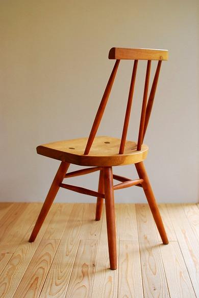 アイテム画像(木組みの小椅子)メイン