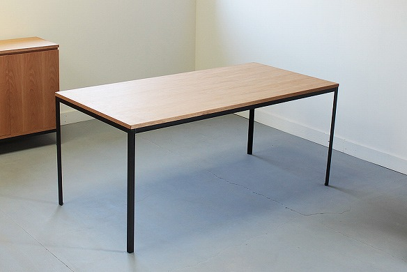このシーンで使われているアイテム画像(FJ-DTB180 Dining Table)