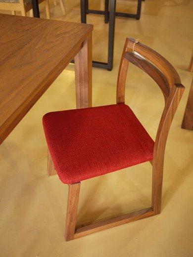 この商品に似ているアイテム画像(ウォールナットの椅子|Amber(アンバー))