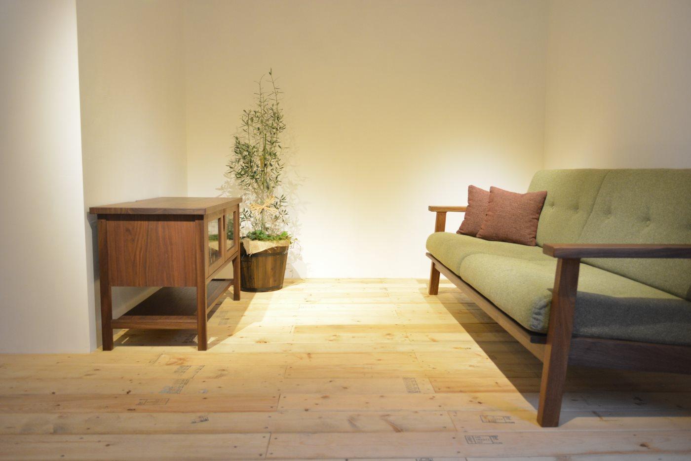 このシーンと似ているコーディネートシーン画像(ナチュラルリビング377|Block Atelier furniture(ブロックアトリエファニチャー))